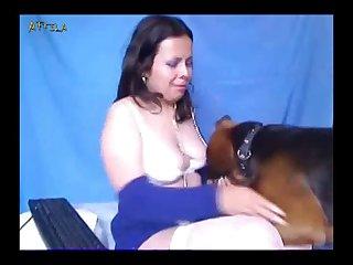Amateur Webcam Lady And Dog 2 zoo animals xnxx